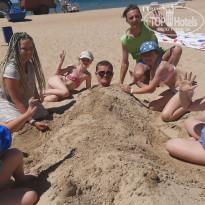 Селена 3* Закопали аниматора Стаса на пляже - Фото отеля