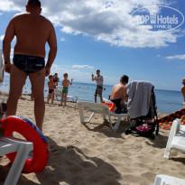 Санаторно-курортный комплекс Family Resort Аниматор Денис на пляже - большая умница. - Фото отеля