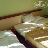 """Империя Кровати, """"раскладушка"""" и там самая доведенная мною до ума.... - Фото отеля"""
