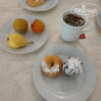 Селена 3* Фрукты и вкусняшки к чаю, выпечка очень вкусная - Фото отеля