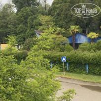 Мия Вид на базу со стороны дороги и моря - Фото отеля
